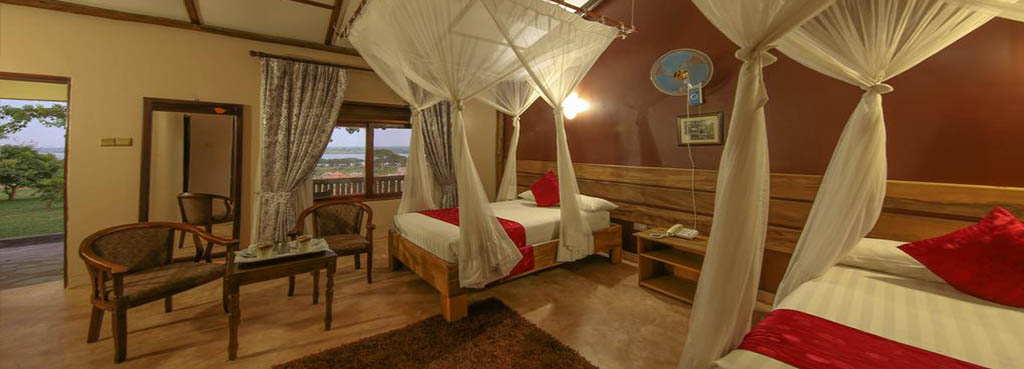 Pakuba Safari lodge twin room